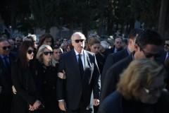 Σύσσωμη η ΝΔ στην κηδεία της αδερφής του Ευ. Μεϊμαράκη