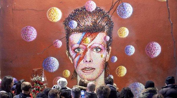 Αφήνει στους κληρονόμους του 181 εκατ. ευρώ ο David Bowie!