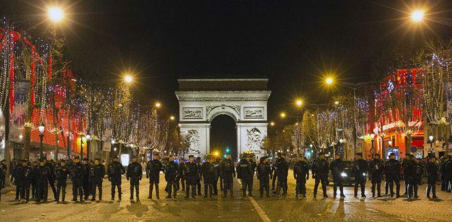 Συλλήψεις… «με το τσουβάλι» στη Γαλλία την Πρωτοχρονιά