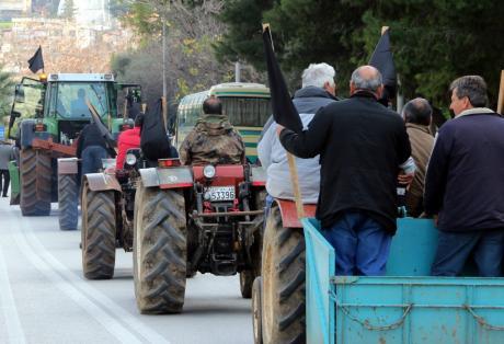 Πάτρα: Ξεκινούν τις κινητοποιήσεις οι αγρότες – Τα 3 σημεία που θα κλείσουν την Εθνική Οδό