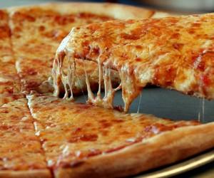 Νόστιμη και εύκολη ζύμη για πίτσα! Δοκιμάστε την!