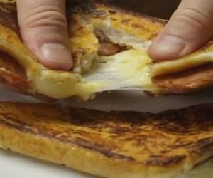 Άπαικτο πρωινό: Φτιάξε σε 10 λεπτά την θρεπτική πίτσα που θα σου δώσει ενέργεια για όλη τη μέρα!