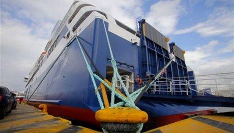 Δεμένα τα πλοία στα λιμάνια λόγω ανέμων – Σε ισχύ το απαγορευτικό απόπλου