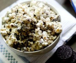 Oreo popcorn με σοκολάτα και φυστίκια: Απλά ακαταμάχητα!
