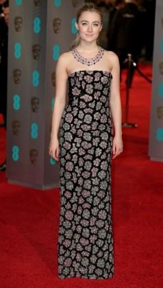 BAFTA 2016: Όλες οι εμφανίσεις των στάρ στο κόκκινο χαλί – Εσάς ποια σας άρεσε;