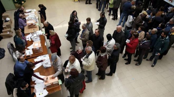 Νέες κάλπες «βλέπει» η πλειοψηφία των Ισπανών