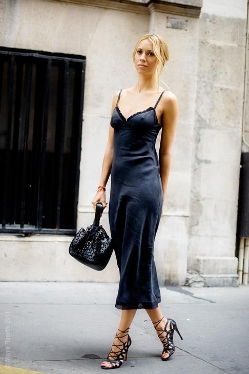 Slip dress : Το φόρεμα που έγινε λατρεία!