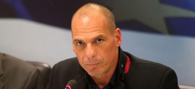 Ο Βαρουφάκης κατηγορεί τον Σόιμπλε και την Γερμανία για κρυφή ατζέντα