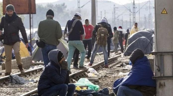 Μπλόκο της αστυνομίας στους υποστηρικτές των προσφύγων που κατευθύνονταν στην Ειδομένη