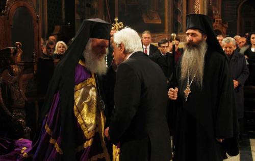 Η ΕΡΤ »πέθανε» τον Αρχιεπίσκοπο και άλλαξε ιδιότητα στον Παυλόπουλο (VIDEO)