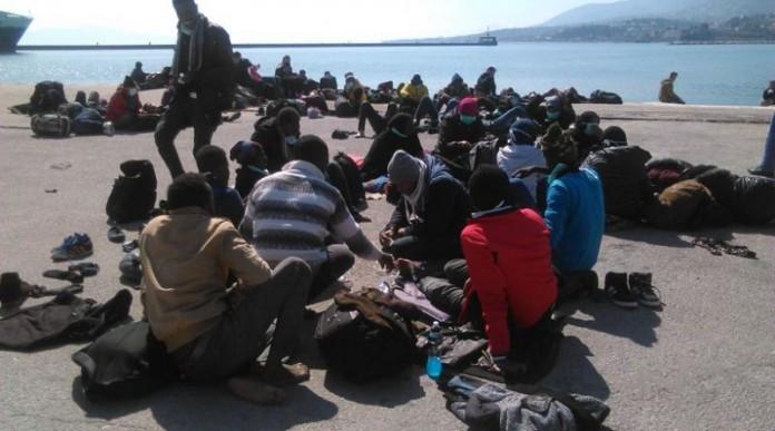 Συνεχίζεται η εκκένωση των νησιών από μετανάστες – Τούρκοι παρατηρητές σε Χίο και Λέσβο