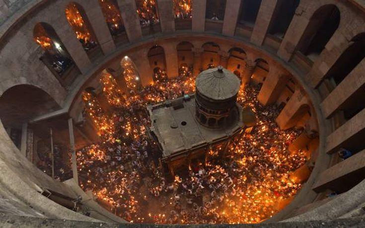 Στα Ιεροσόλυμα η ελληνική αντιπροσωπεία για το Άγιο Φως