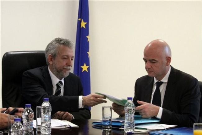FIFA-UEFA: «Συμμορφωθείτε έως 15/4, αλλιώς Grexit»!