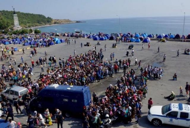Άρον άρον διώχνουν από τη Μυτιλήνη του πρόσφυγες, λόγω της επίσκεψης του Πάπα