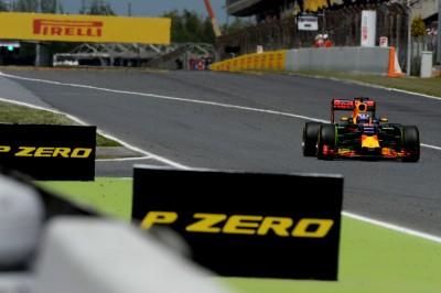 Ο 18χρονος νικητής της F1 στην Ισπανία χρησιμοποίησε τη μέση γόμα ελαστικών