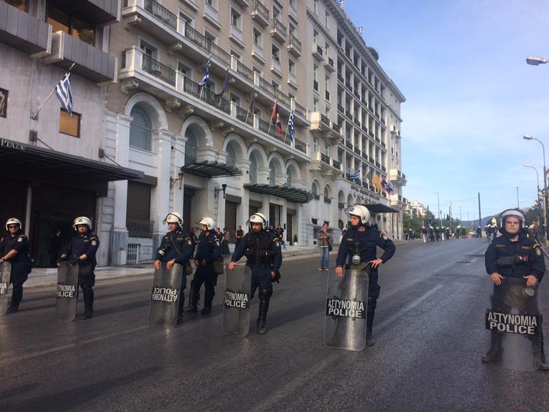 Αστυνομοκρατούμενη η Αθήνα – Σιδηρόφραχτη η Βουλή