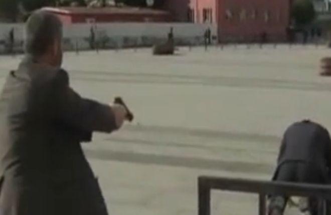 Πυροβόλησαν εν ψυχρώ τον διευθυντή της εφημερίδας Τζουμχουριέτ!(VIDEO)