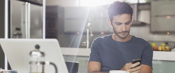 Νομοσχέδιο προτείνει να σταματήσουν τα εργασιακά e-mail το Σαββατοκύριακο