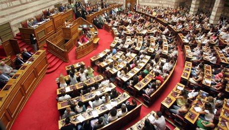 Πέρασε από τη Βουλή το ασφαλιστικό – Με 153 «ναι»