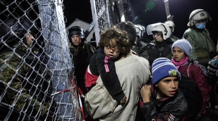 Σε 56.909 ανέρχονται οι εγκλωβισμένοι μετανάστες στην Ελλάδα