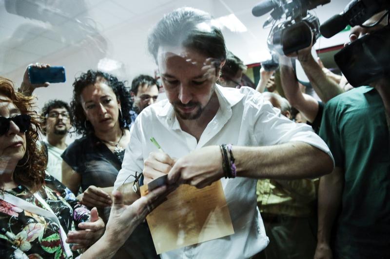 Ανατροπή στην Ισπανία: Ραχόι,ο μεγάλος νικητής – Χαμένοι οι Podemos