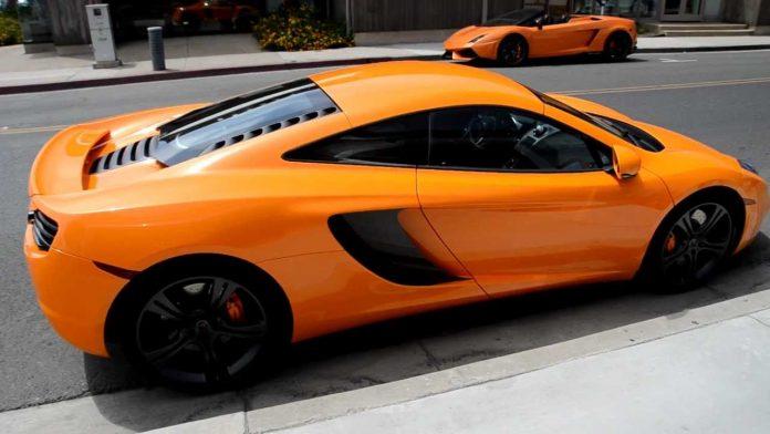 Έσπασε McLaren αξίας 250 χιλιάδων δολαρίων γιατί παραβίασε το ΣΤΟΠ (video)