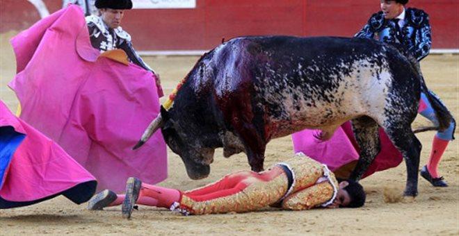 Ισπανία: Tαυρομάχος έχασε τη ζωή του κατά τη διάρκεια ταυρομαχίας (BINTEO)