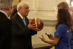 Η Εθνική ομάδα μπάσκετ κωφών γυναικών στον Παυλόπουλο