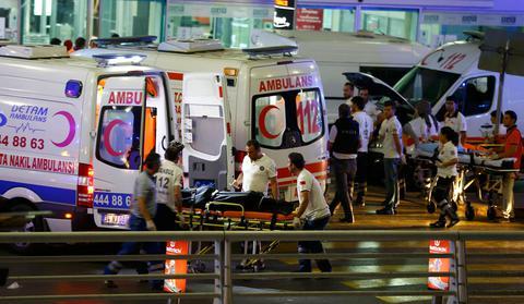 Στους 45 οι νεκροί του μακελειού στο αεροδρόμιο της Κωνσταντινούπολης – Υπέκυψε 4χρονος