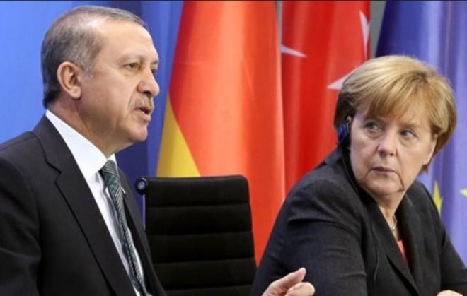 Τετ-α-τετ Μέρκελ-Ερντογάν στο περιθώριο της συνόδου του ΝΑΤΟ