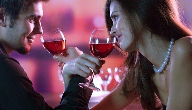 Μπορεί το μυστικό ενός επιτυχημένου γάμου να κρύβεται σε ένα ποτήρι;