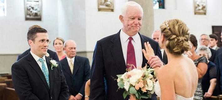 ΗΠΑ: Νύφη συνοδεύεται στην εκκλησία από τον λήπτη καρδιάς του πατέρα της (βίντεο)