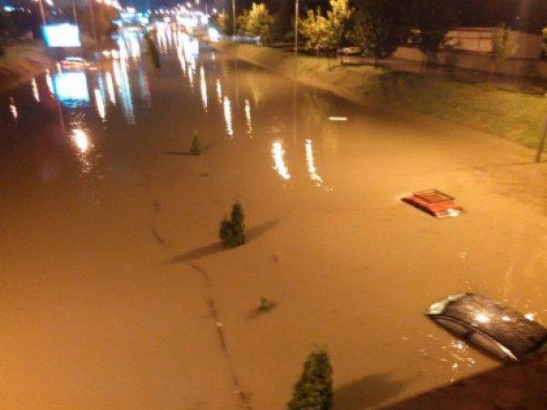 Τουλάχιστον 15 νεκροί από καταιγίδα στα Σκόπια