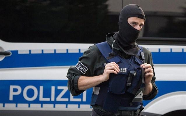 Λήξη συναγερμού για το περιστατικό με τον γεμάτο αίματα άνδρα σε εστιατόριο στο Σααρμπρίκεν της Γερμανίας