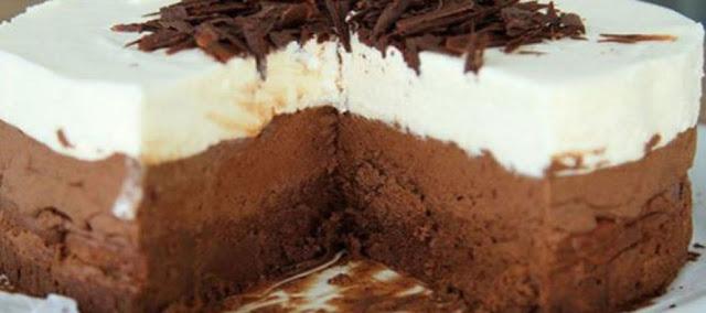 Μόνο με 4 υλικά τούρτα τριπλής σοκολάτας !!!