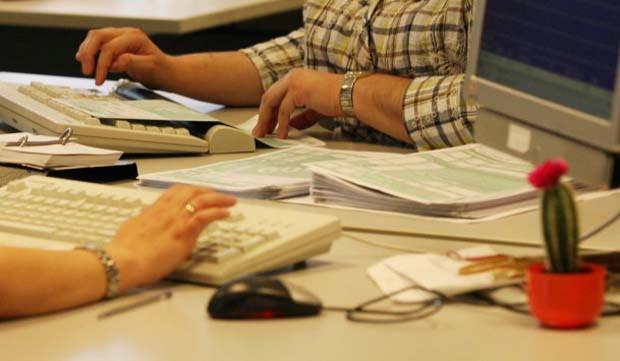 ΟΟΣΑ: Ελλάδα, η μόνη χώρα που αύξησε τη φορολογία των επιχειρήσεων το 2015
