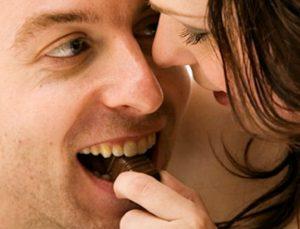 10 τροφές που θα απογειώσουν την σχέση σου