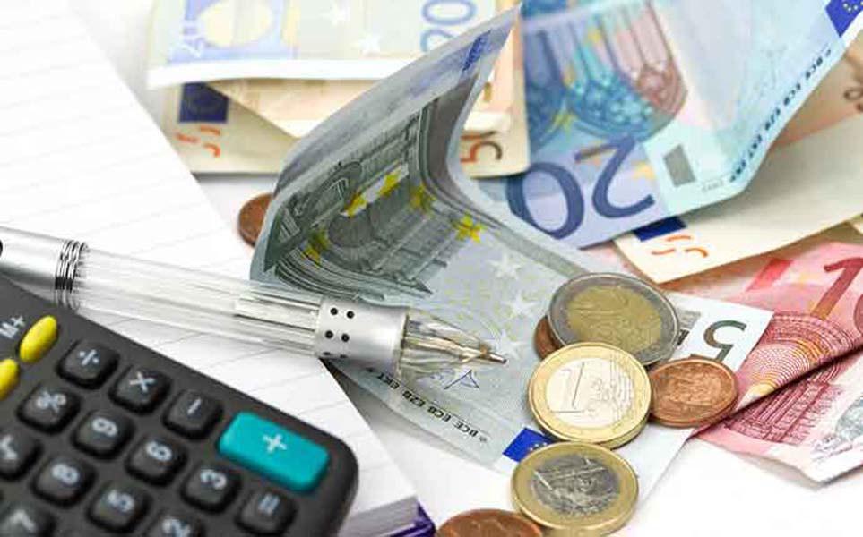 Έφτασε η εβδομάδα του λογαριασμού για ΕΝΦΙΑ, ΦΠΑ και φόρο εισοδήματος