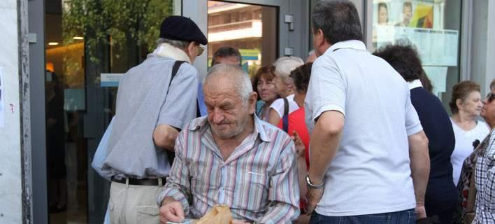 Ένας στους δύο συνταξιούχους ζει κάτω από το όριο της φτώχειας