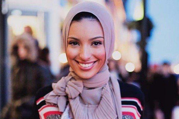 Playboy: Μουσουλμάνα με μαντήλα για πρώτη φορά στο περιοδικό (φωτό)