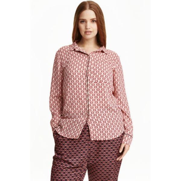 Το plus size σύνολο της H&M που θα λατρέψετε αν έχετε πλούσιες καμπύλες