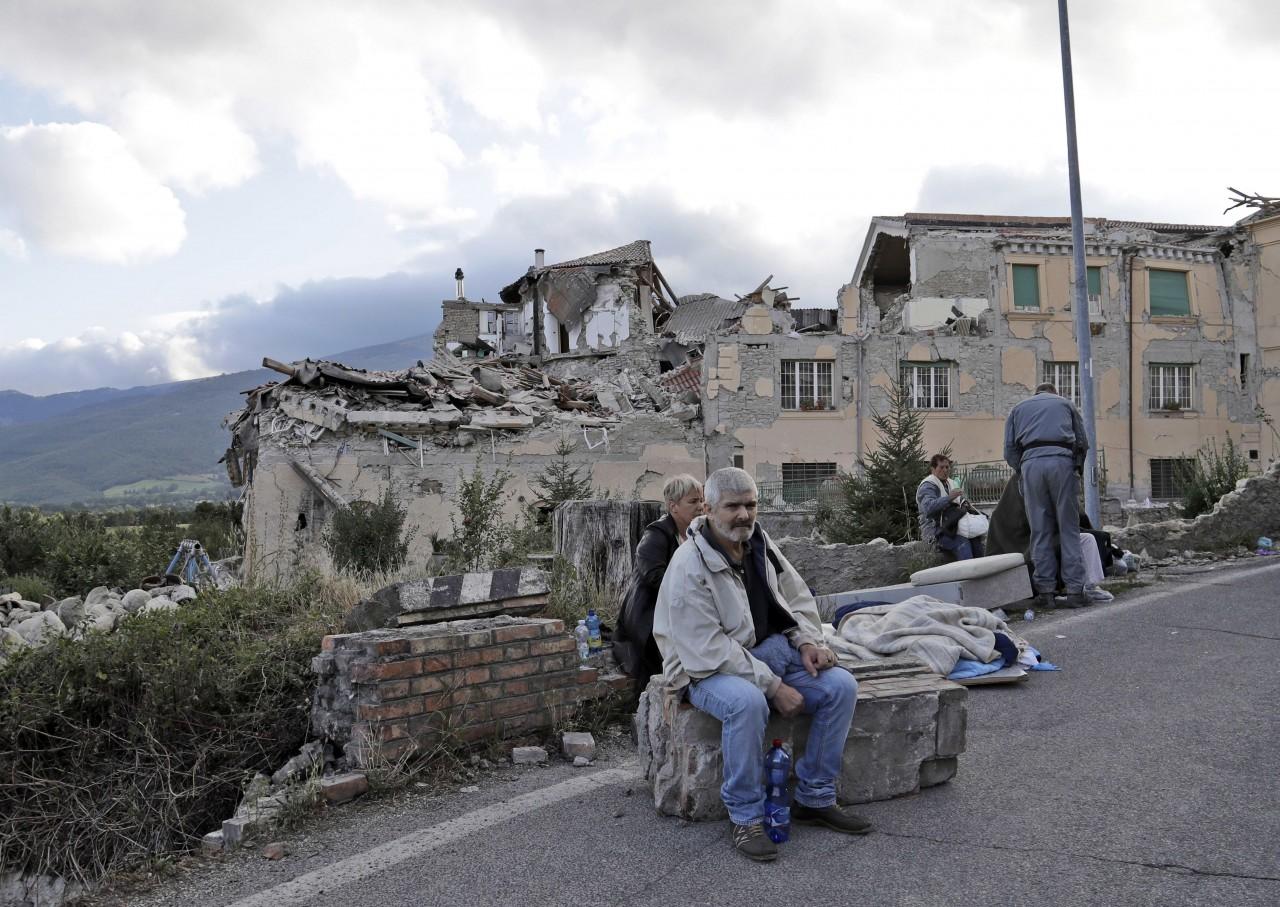 Νέα πολύ ισχυρή σεισμική δόνηση στην Ιταλία – Κατέρρευσαν κτήρια (BINTEO)