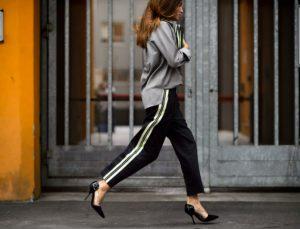 Αυτό είναι το πιο trendy παντελόνι της σεζόν! Τρόποι να το φορέσεις σωστά…