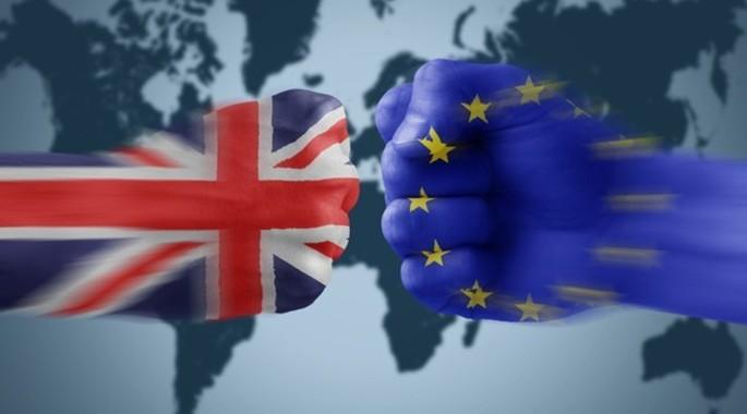 Το Μάρτιο σχεδιάζει η Τερέσα Μέι να αρχίσει τη διαδικασία του Brexit