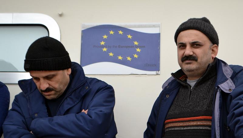 Χώρες της ΕΕ αρνούνται να στείλουν στην Ελλάδα υπαλλήλους για το προσφυγικό