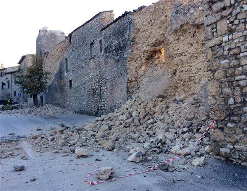 Τηλέφωνα επικοινωνίας για τους Έλληνες στην Ιταλία μετά το νέο σεισμό