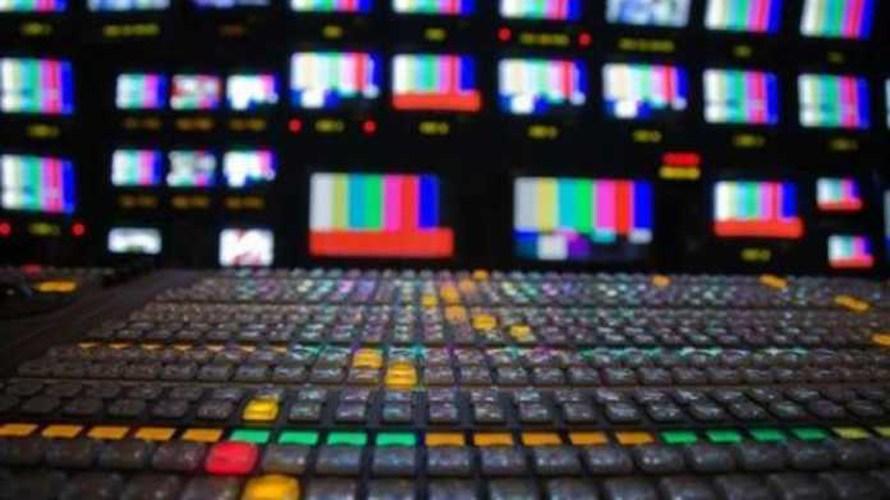 Με τροπολογία η κυβέρνηση ξαναφέρνει το νόμο για τα κανάλια