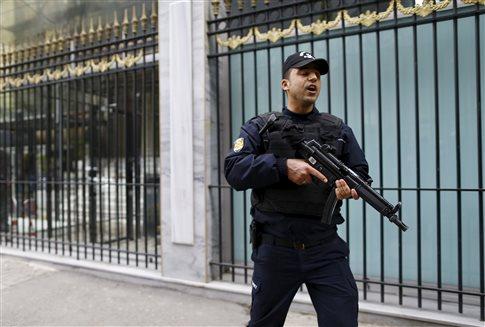 Οι ΗΠΑ απομακρύνουν τις οικογένειες διπλωματικού προσωπικού στην Πόλη