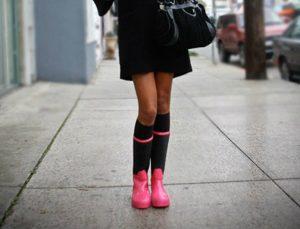 15 τρόποι για να φορέσετε τις γαλότσες σας με στιλ αυτό τον χειμώνα