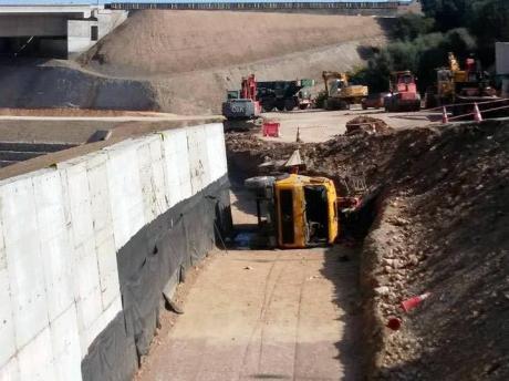 Τραγικό εργατικό δυστύχημα στο εργοτάξιο της Ολυμπίας Οδού στο Διακοπτό – Ένας νεκρός κι ένας τραυματίας